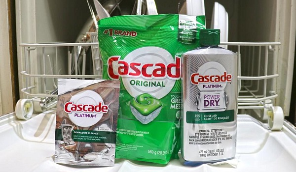 Cascade Helps Real Men Wash Dishes Influencer Campaign