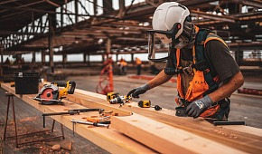 tips to help men stay safe on a physically demanding job